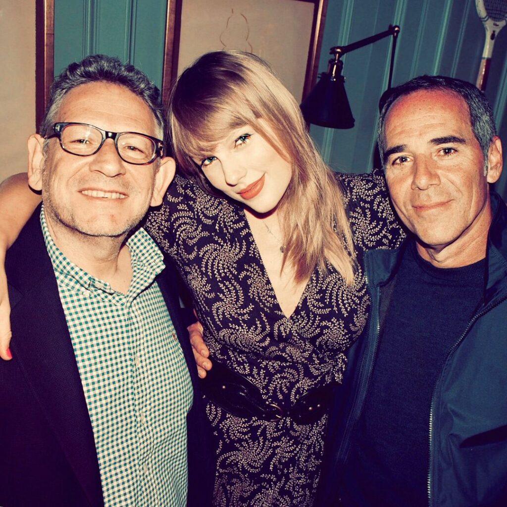 Taylor Swift, Sir Lucian Grainge, Monte Lipman (2018)