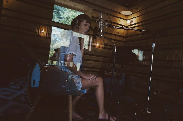 """Taylor Swift recording """"You All Over Me"""" (Aaron Dessner, 2020)"""