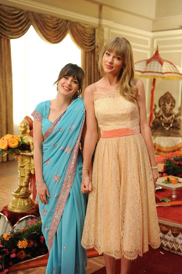 Taylor Swift as Elaine on New Girl (2013)