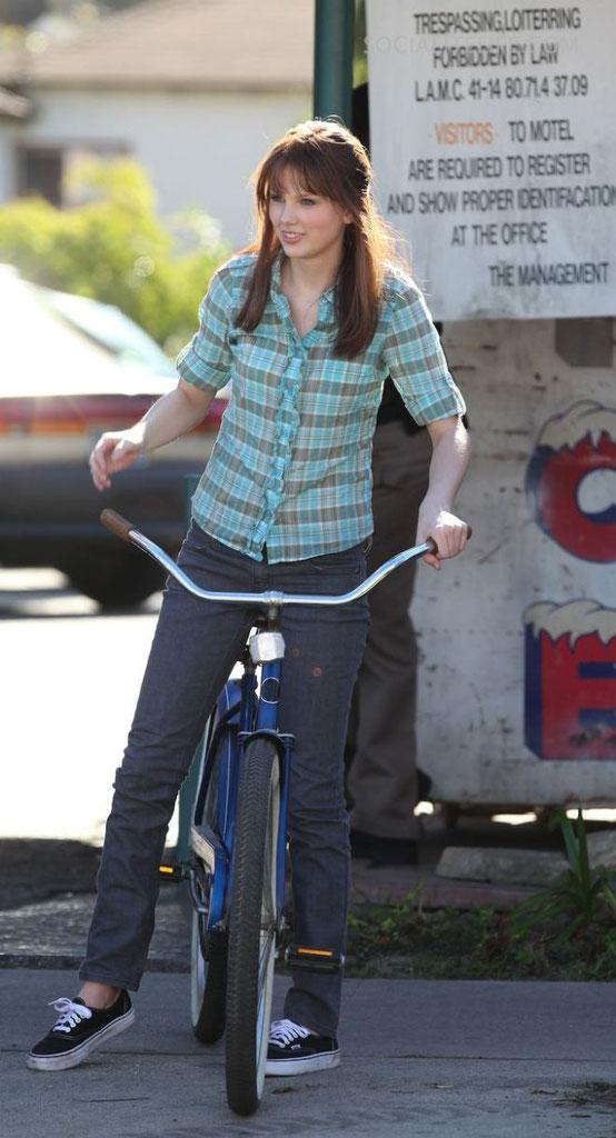 Taylor Swift as Haley Jones (CSI, 2009)