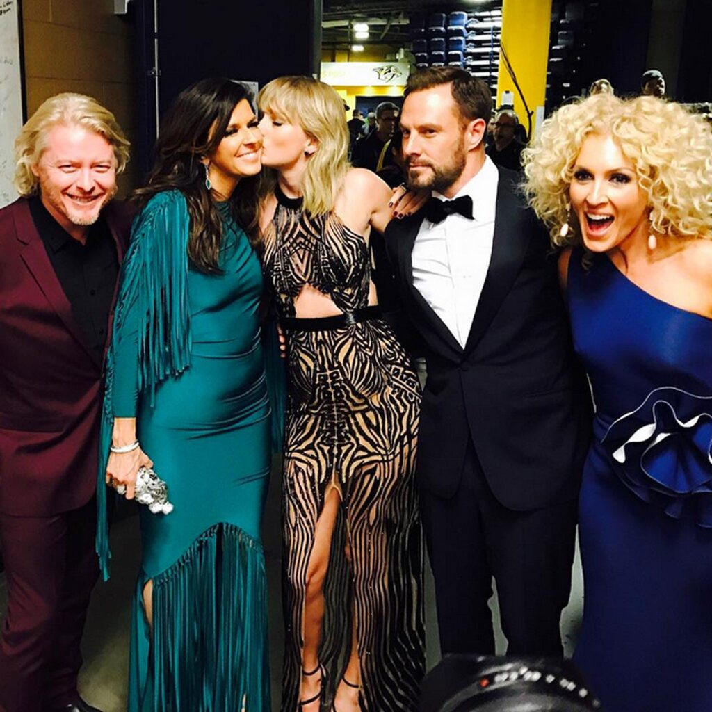 Taylor and Little Big Town (2016)