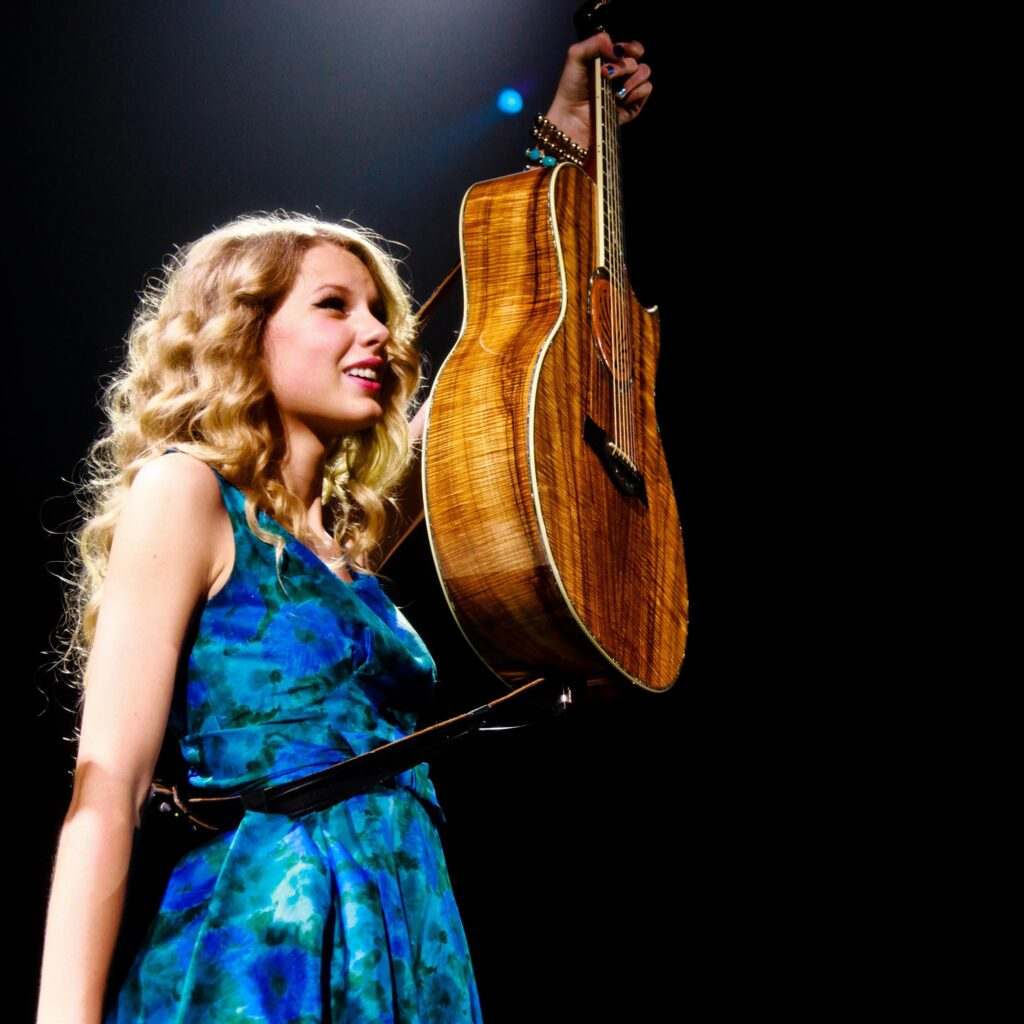 """Taylor Swift on the """"Fearless Tour"""" (2009)"""